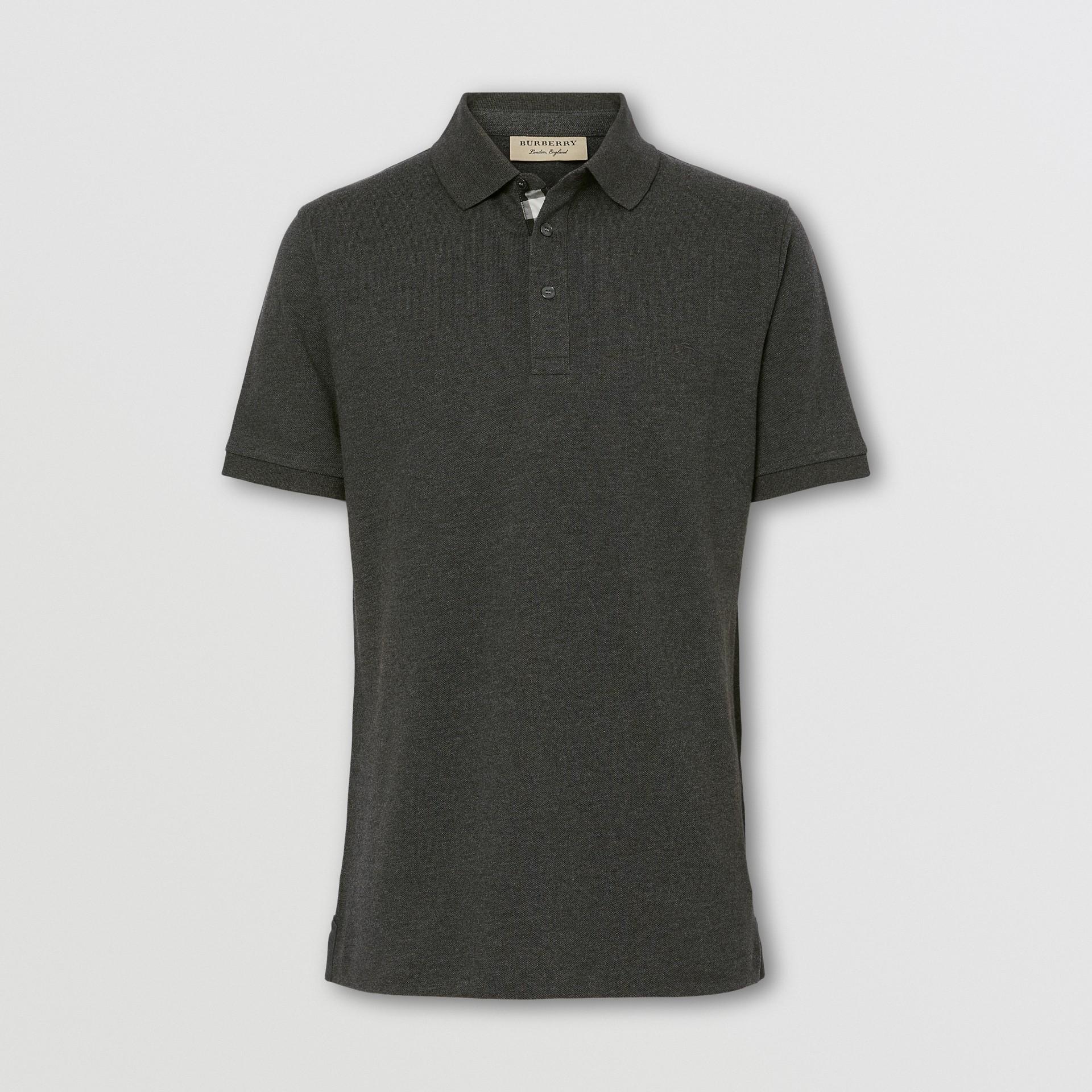 Polo en piqué de algodón con tira de botones a cuadros (Mezcla  Gris Marengo Oscuro) - Hombre | Burberry - imagen de la galería 0