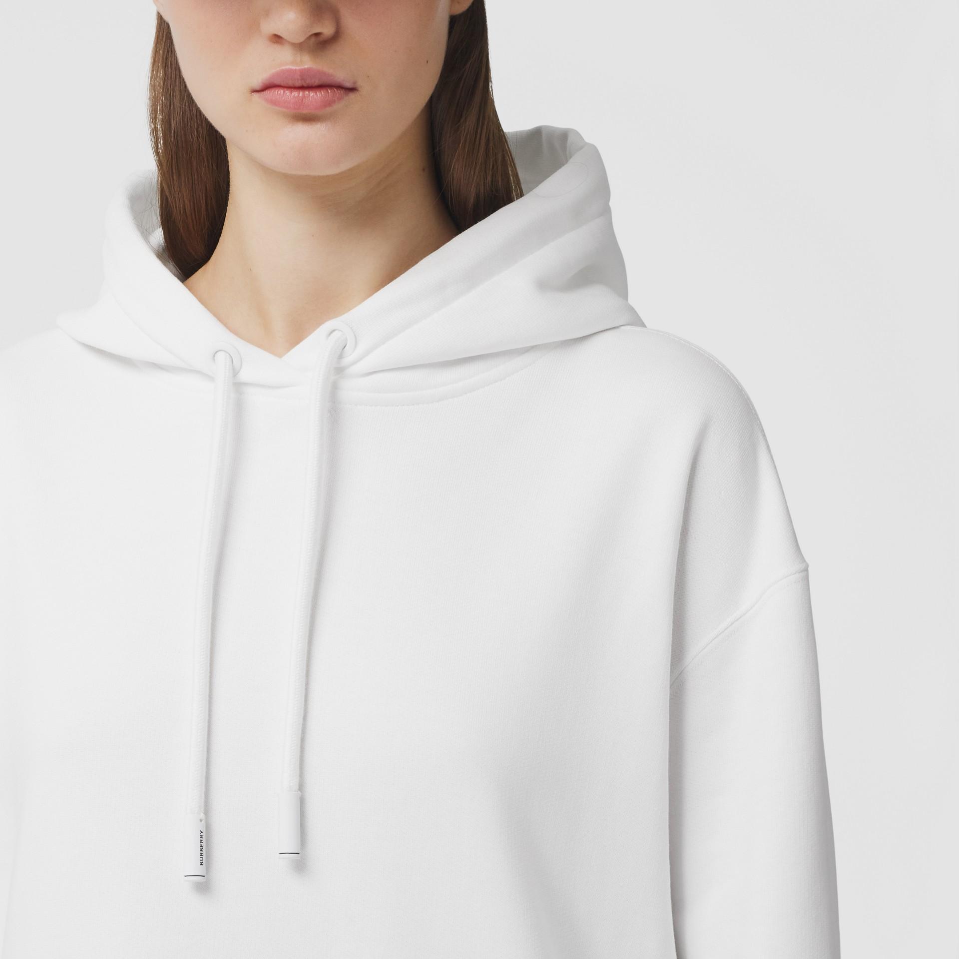 Sweat-shirt à capuche oversize en coton avec coordonnées (Blanc) - Femme | Burberry - photo de la galerie 1