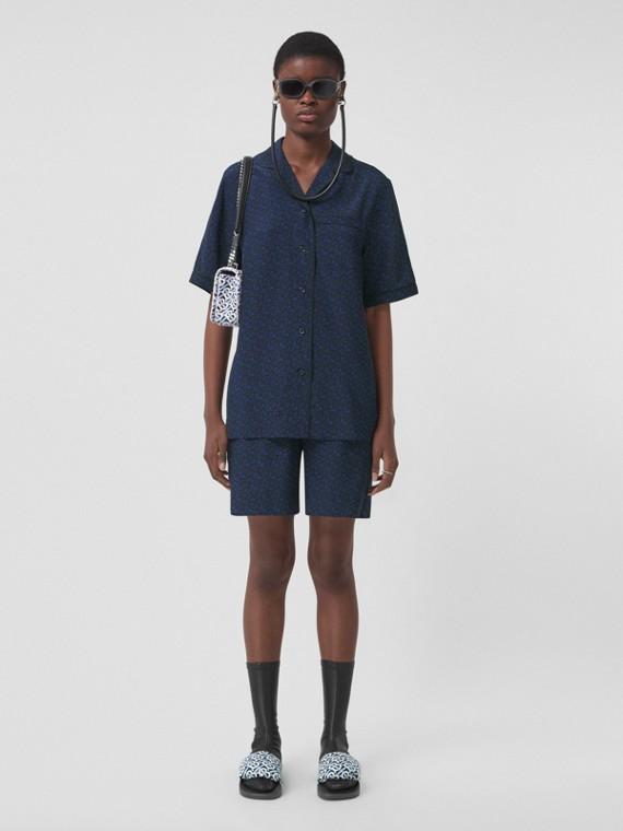 Camicia pigiama in seta con stampa monogramma - Esclusiva online (Blu Reale Scuro)