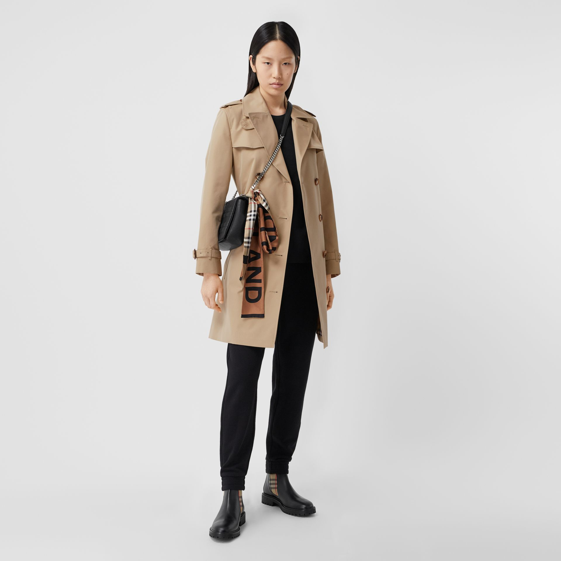 The Short Islington Trench Coat in Honey - Women | Burberry Australia - gallery image 0
