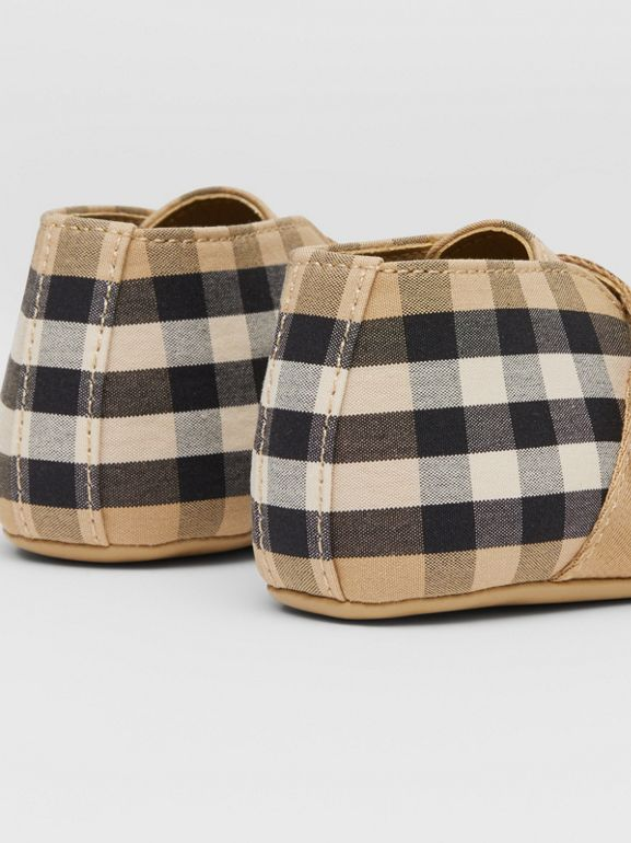 Vintage Check Cotton Booties in Archive Beige - Children | Burberry United Kingdom - cell image 1