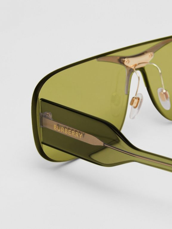 Blake Shield Sunglasses in Green | Burberry - cell image 1