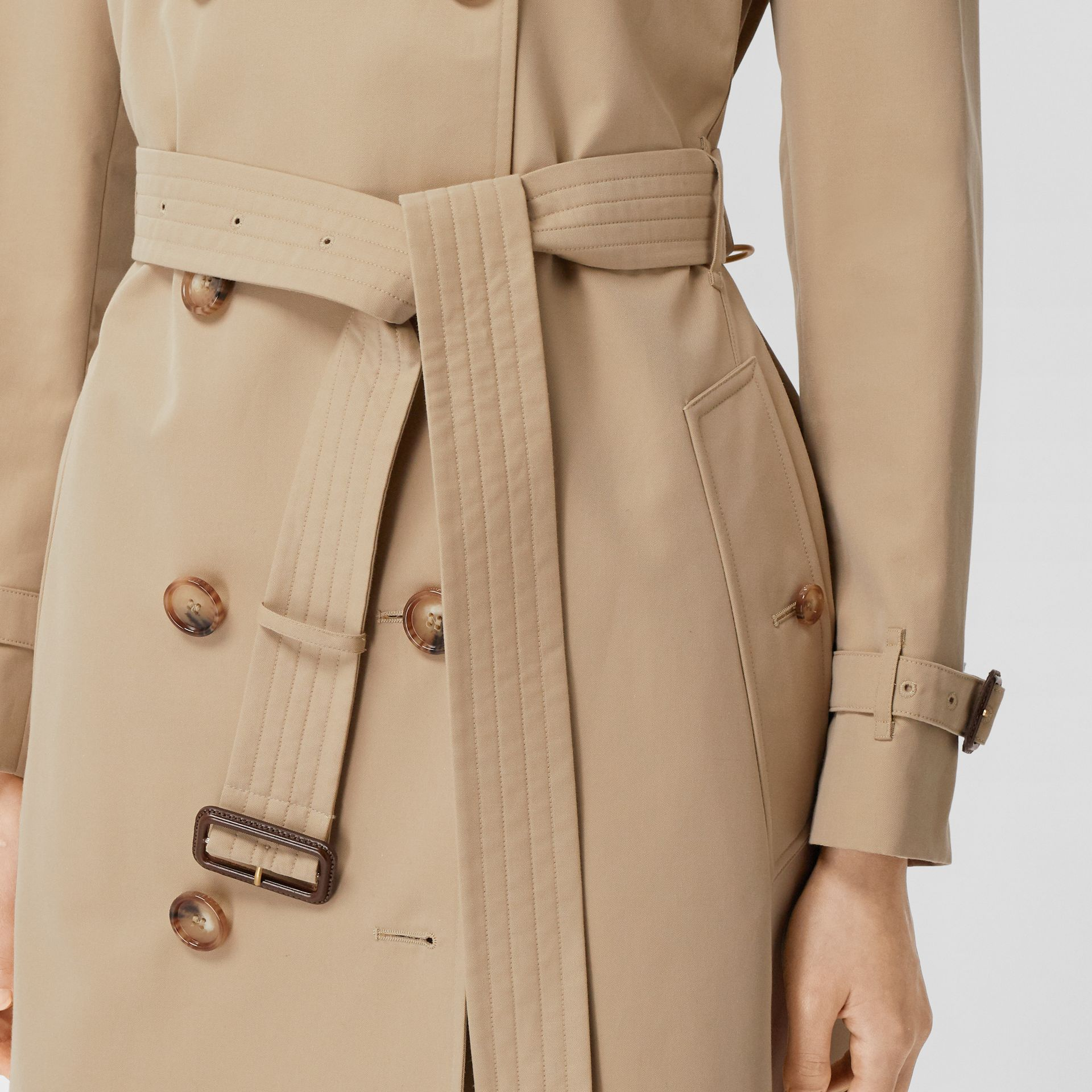 The Short Islington Trench Coat in Honey - Women | Burberry United States - gallery image 5