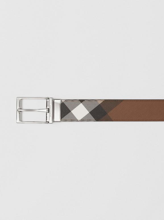 Cintura reversibile in e-canvas con motivo tartan e pelle (Marrone Betulla Scuro/nero) - Uomo | Burberry - cell image 1
