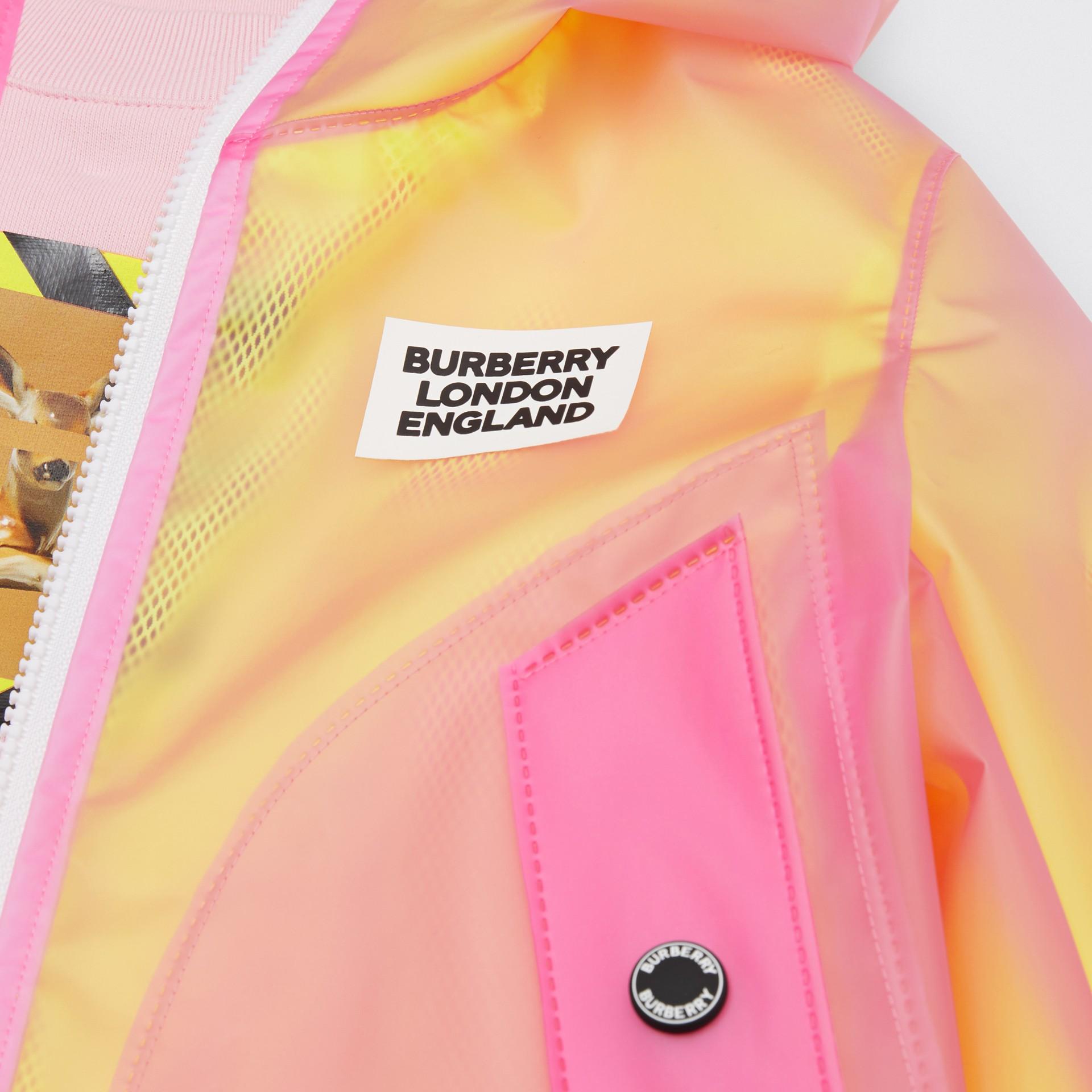 ロゴプリント ライトウェイト フーデッドジャケット (ラズベリーピンク)   バーバリー - ギャラリーイメージ 1
