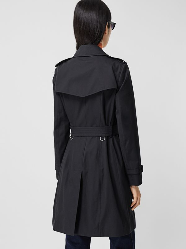 The Mid-length Chelsea Heritage Trench Coat in Midnight - Women | Burberry - cell image 2