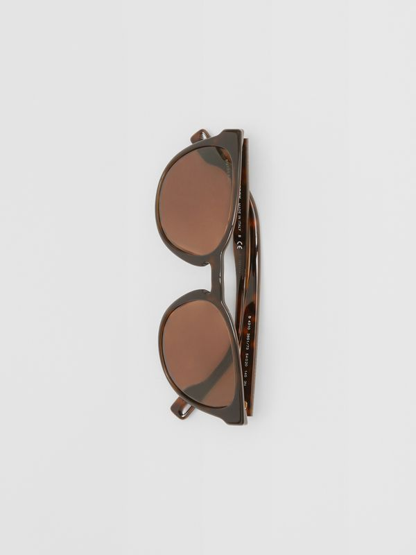 Round Frame Sunglasses in Tortoiseshell - Men | Burberry - cell image 3