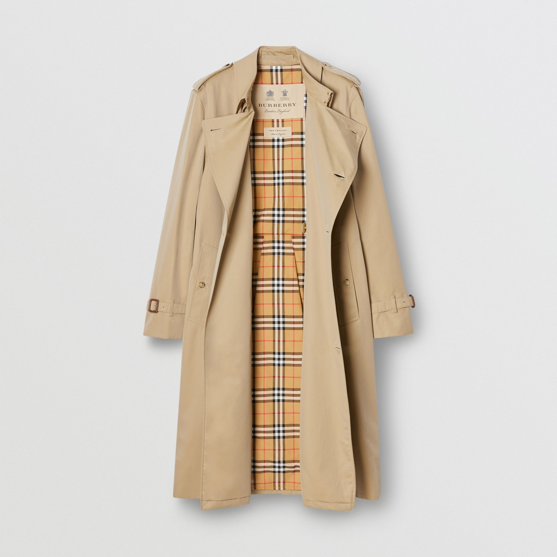 The Long Chelsea Heritage Trench Coat in Honey - Men | Burberry Canada - gallery image 7