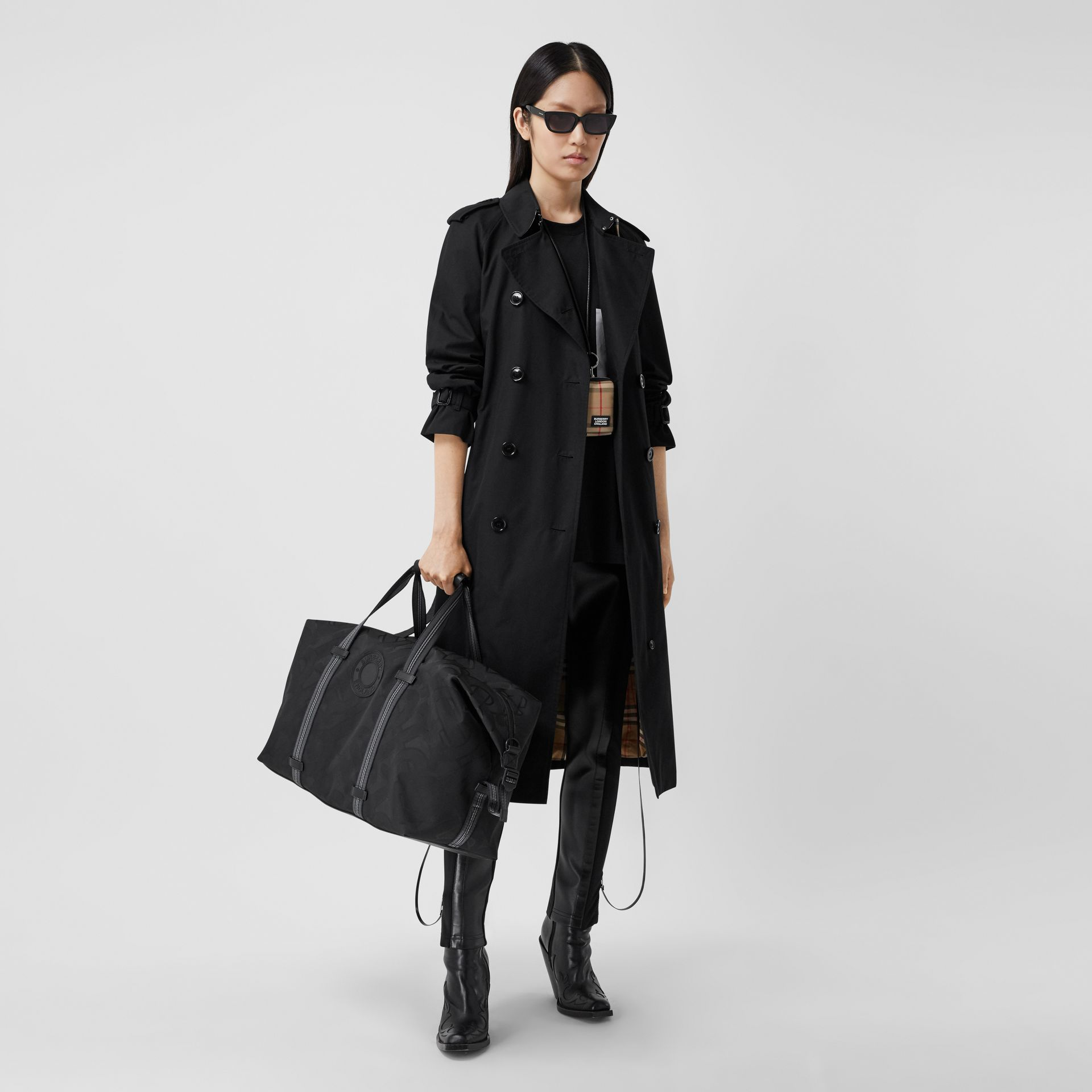The Long Waterloo Heritage Trench Coat in Black - Women   Burberry United Kingdom - gallery image 0