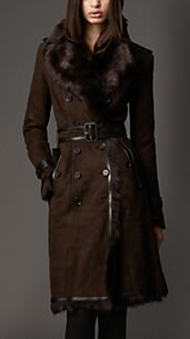 Trench coat lungo in shearling