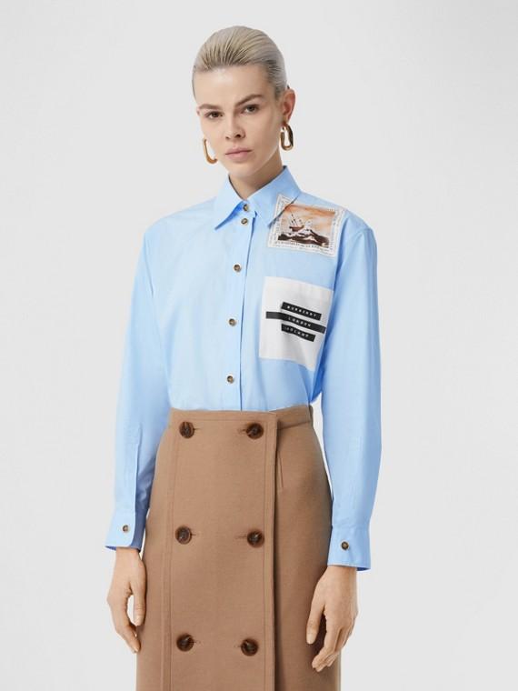 Camicia oversize in cotone con stampa in stile collage (Azzurro Bebè)