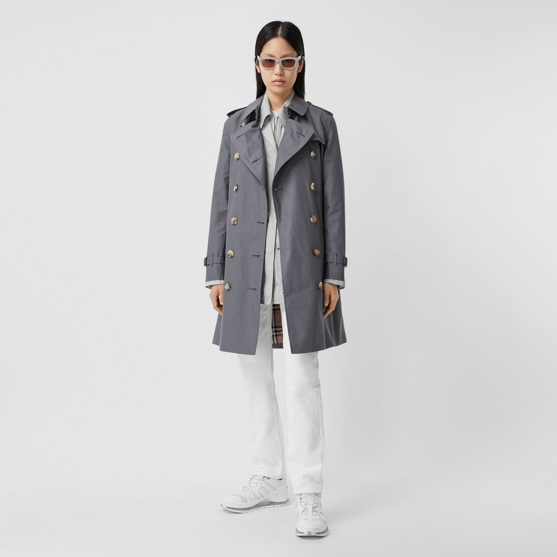 Trench Heritage mi-long The Kensington (Gris Moyen) - Femme | Burberry Canada - photo de la galerie 0