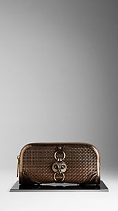 Country-Clutch aus geflochtenem Metallic-Leder mit Tierdetail
