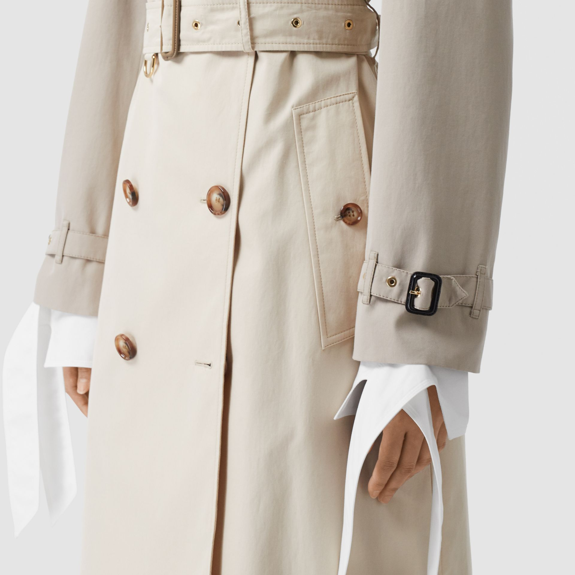 Two-tone Reconstructed Trench Coat in Light Sand - Women | Burberry United Kingdom - gallery image 4