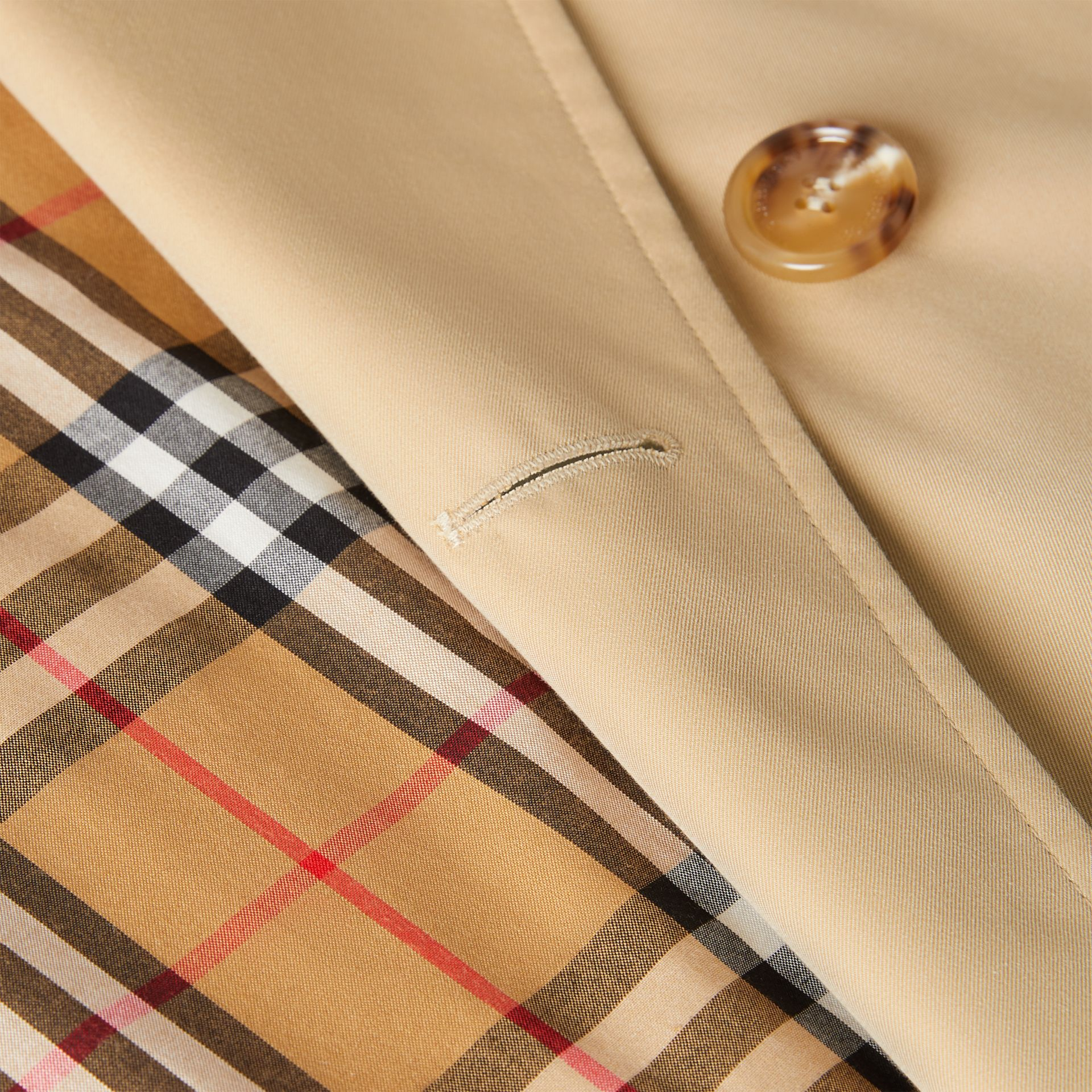 The Long Waterloo Heritage Trench Coat in Honey - Women | Burberry Singapore - gallery image 7