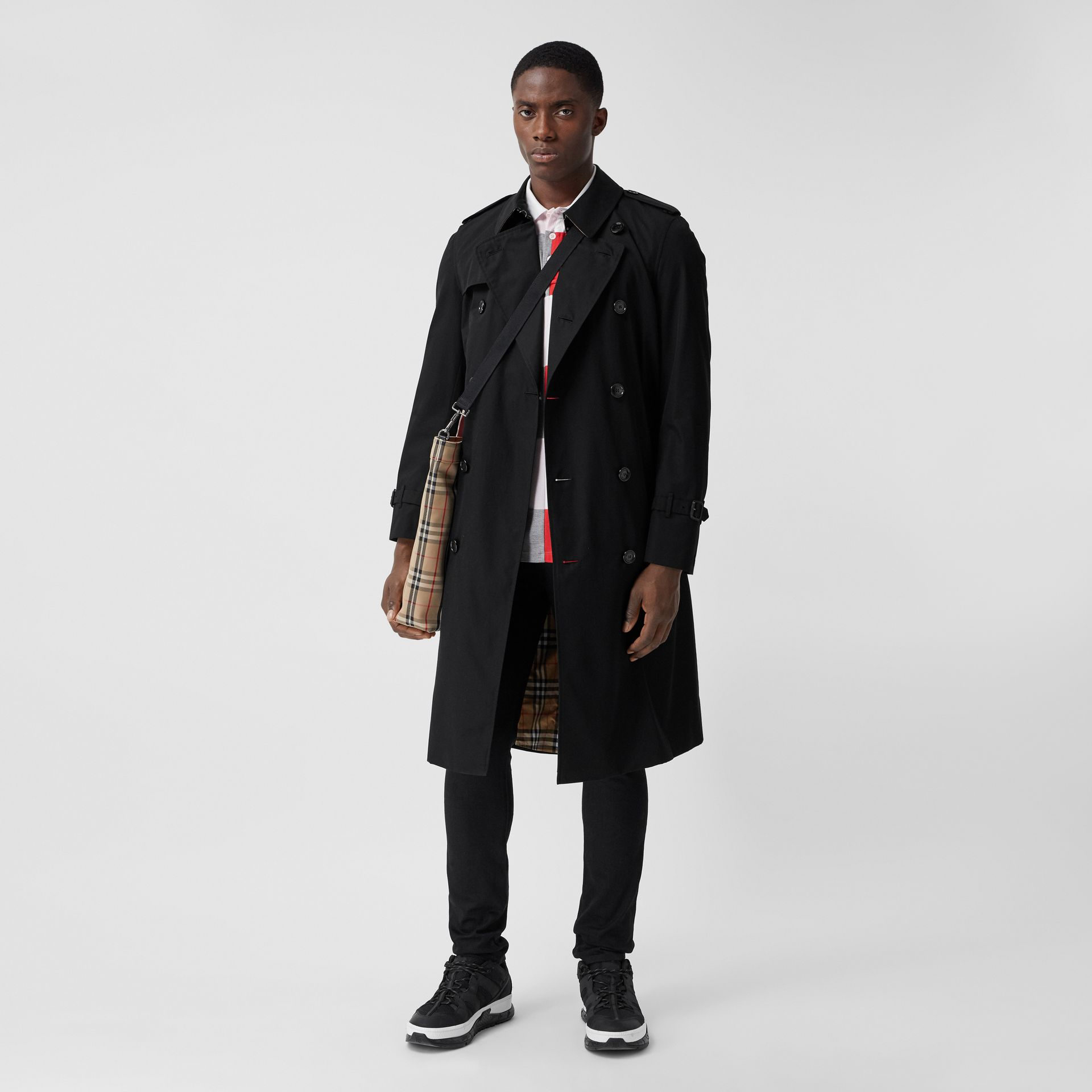 The Long Chelsea Heritage Trench Coat in Black - Men   Burberry - gallery image 0