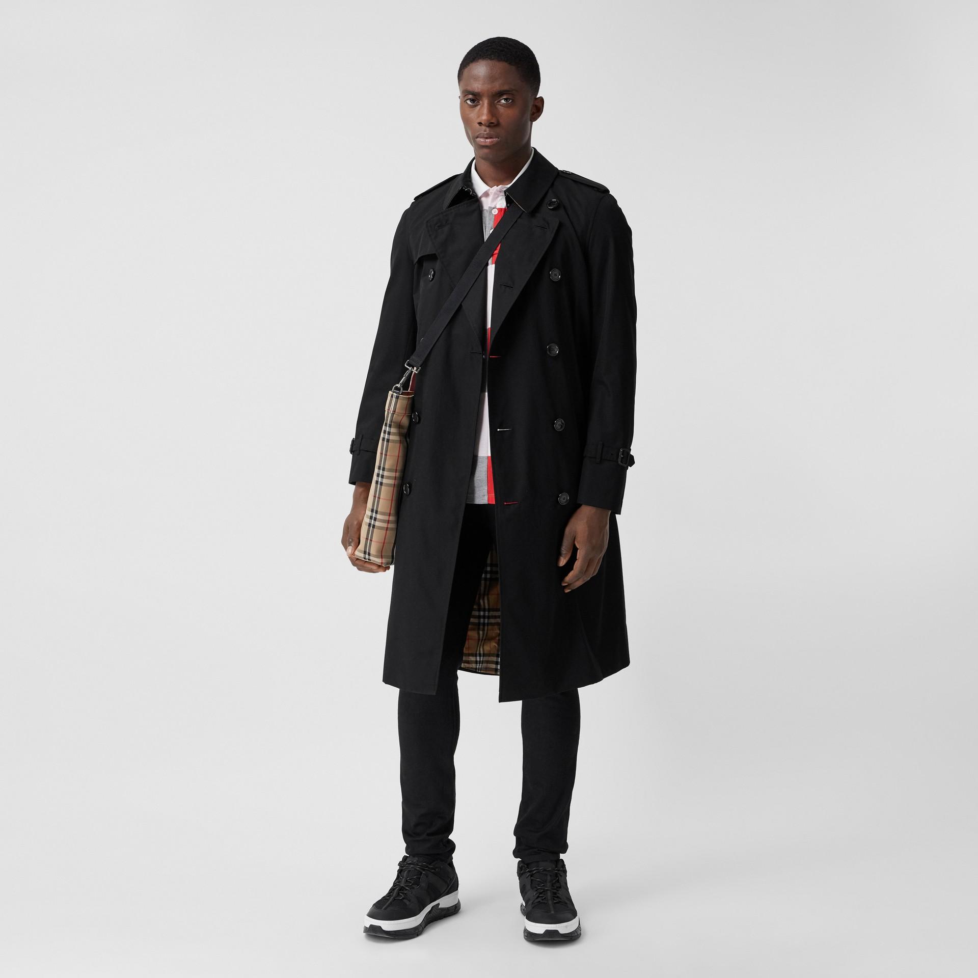 The Chelsea - Trench coat Heritage longo (Preto) - Homens | Burberry - galeria de imagens 0