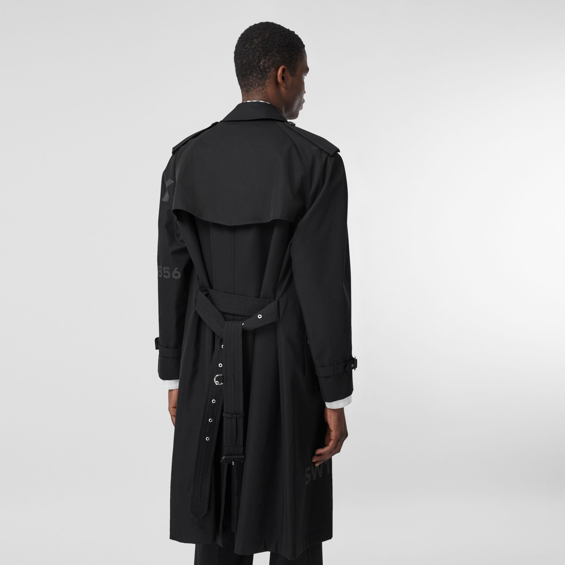 Horseferry Print Cotton Gabardine Trench Coat in Black - Men | Burberry - gallery image 2