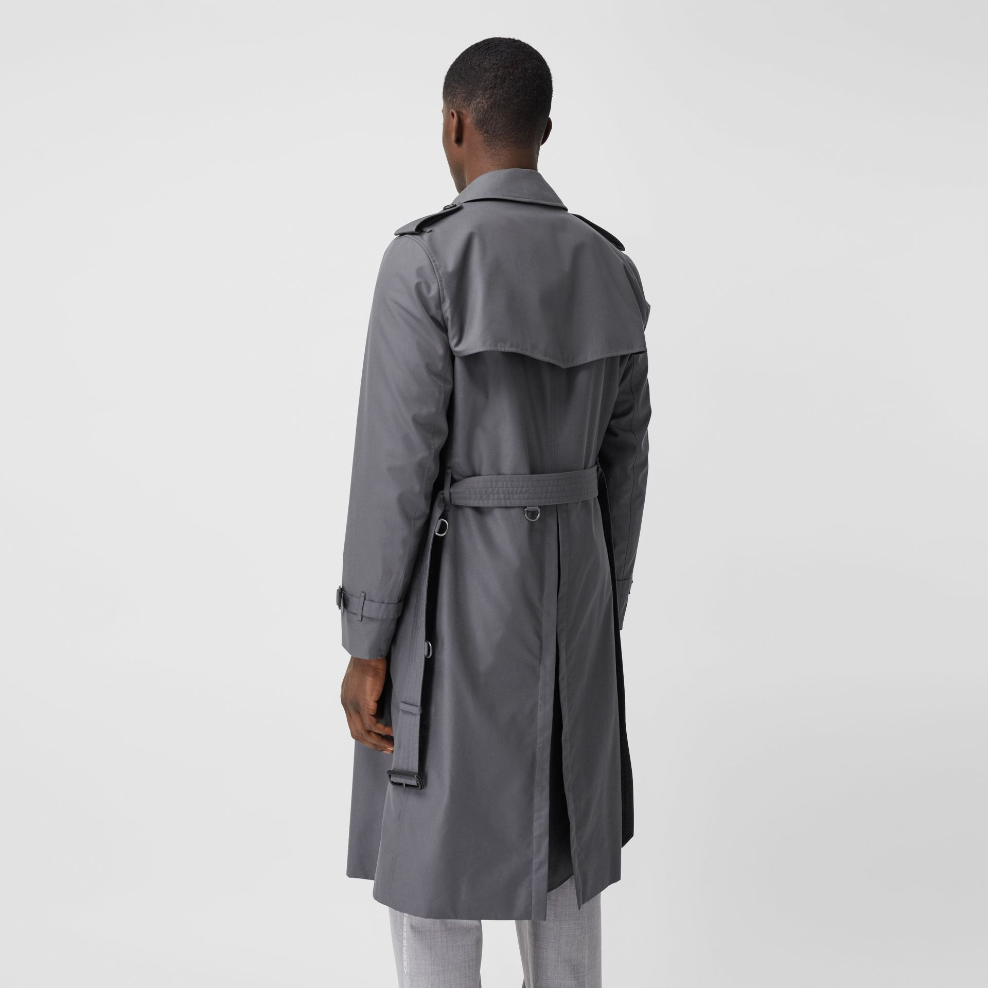 Trench Heritage long The Chelsea (Gris Moyen) - Homme | Burberry Canada - photo de la galerie 2