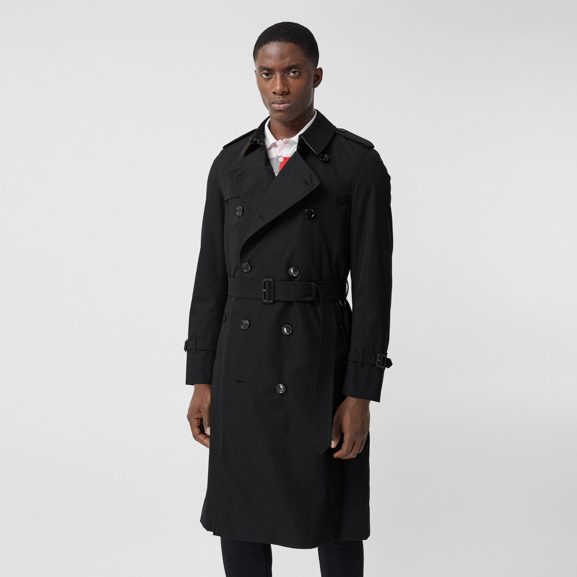 The Long Chelsea Heritage Trench Coat in Black - Men   Burberry - gallery image 6
