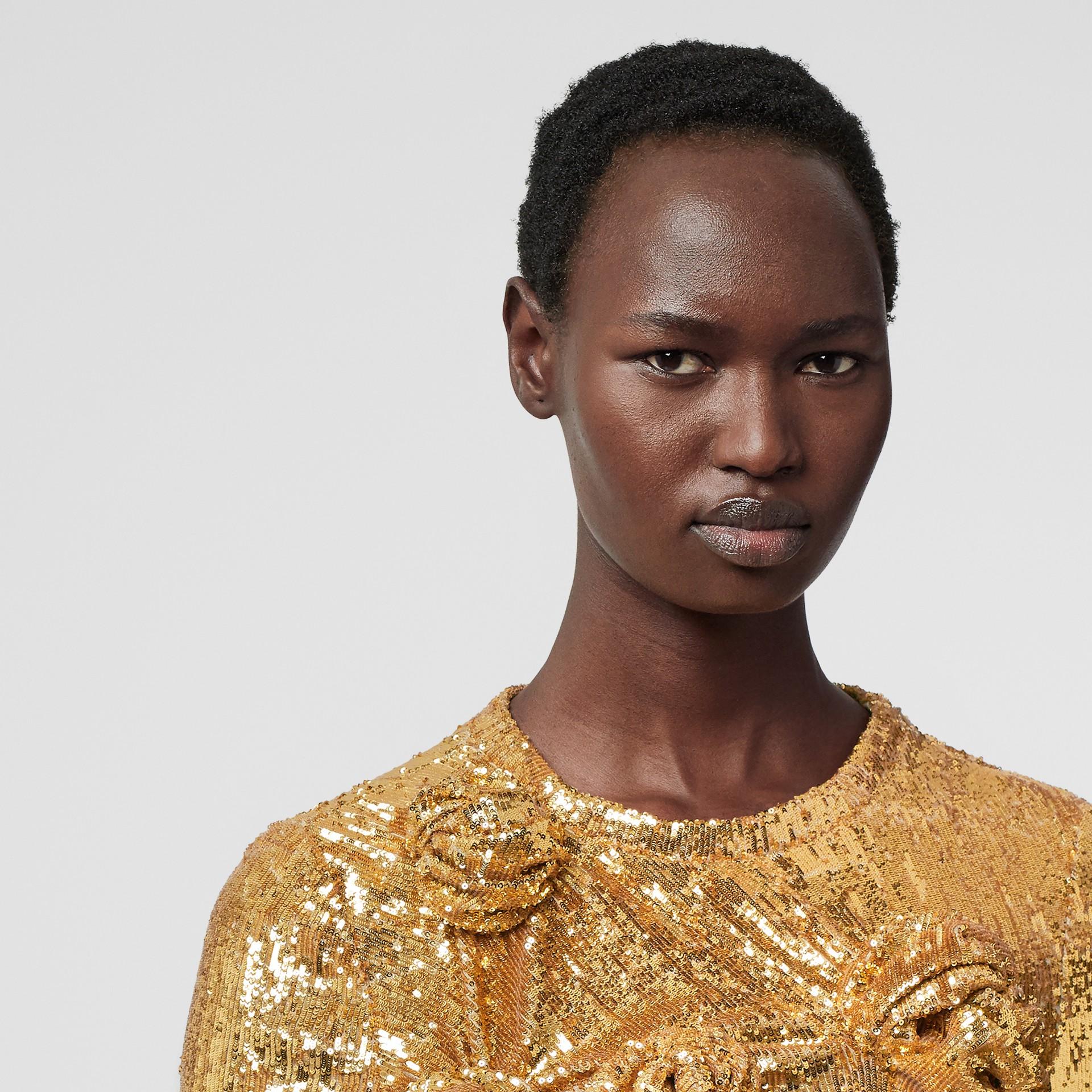 Vestido com lantejoulas e detalhe franzido (Mel) - Mulheres   Burberry - galeria de imagens 5