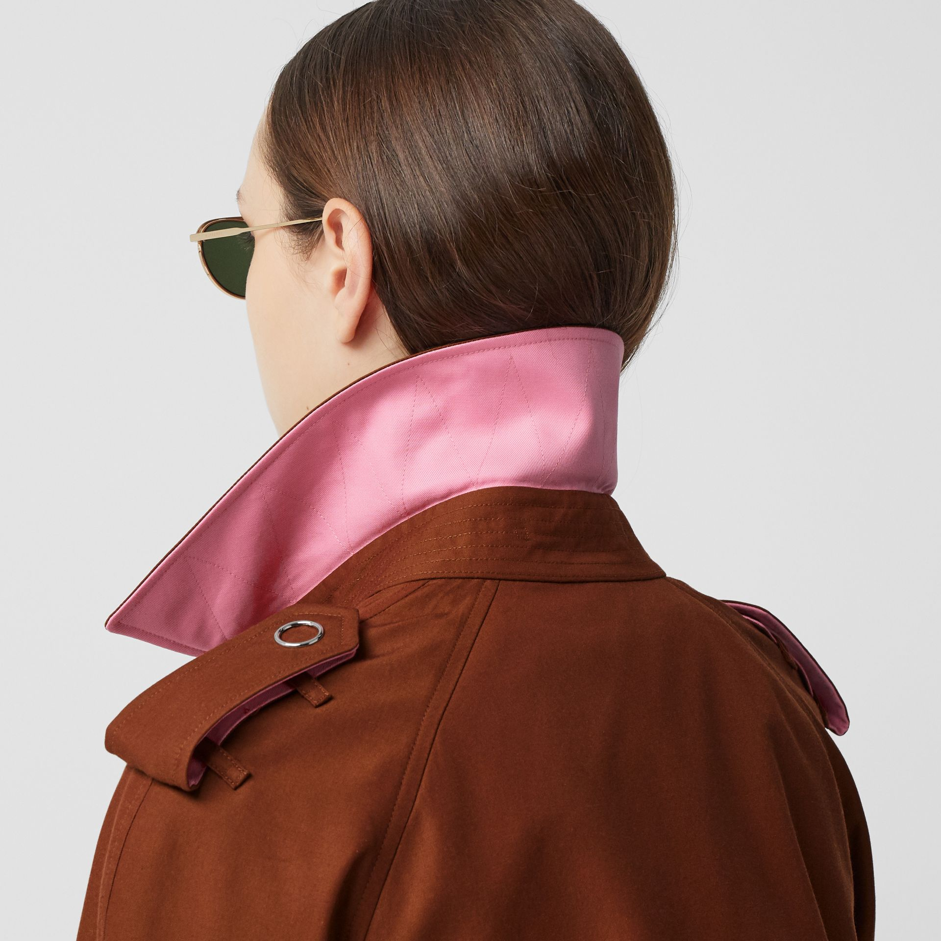Colour Block Cotton Gabardine Trench Coat in Chestnut Brown - Women | Burberry - gallery image 4