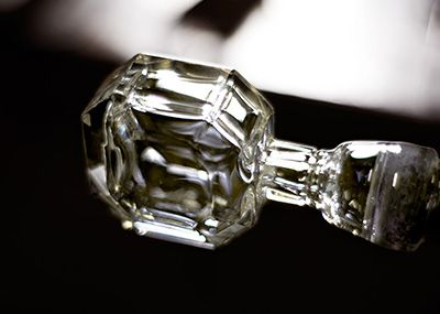 WATCH THE BACCARAT CRAFTSMANSHIP