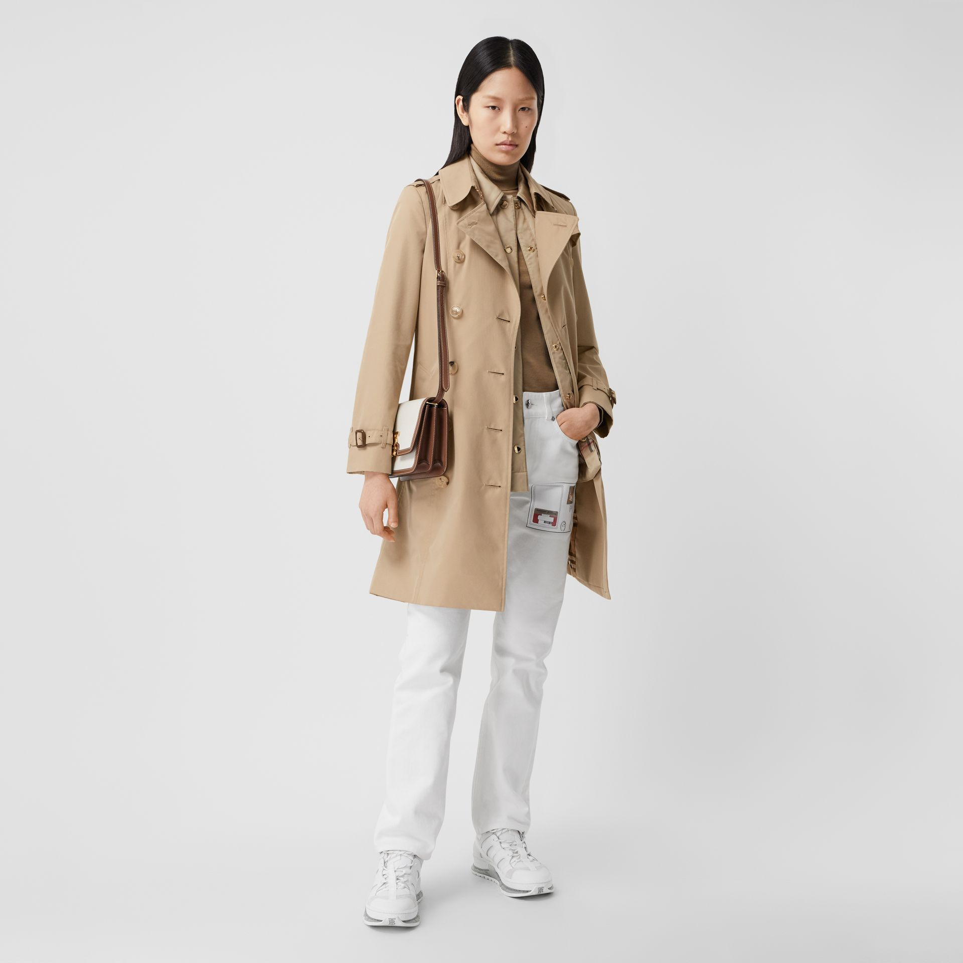 The Mid-length Chelsea Heritage Trench Coat in Honey - Women | Burberry - gallery image 0