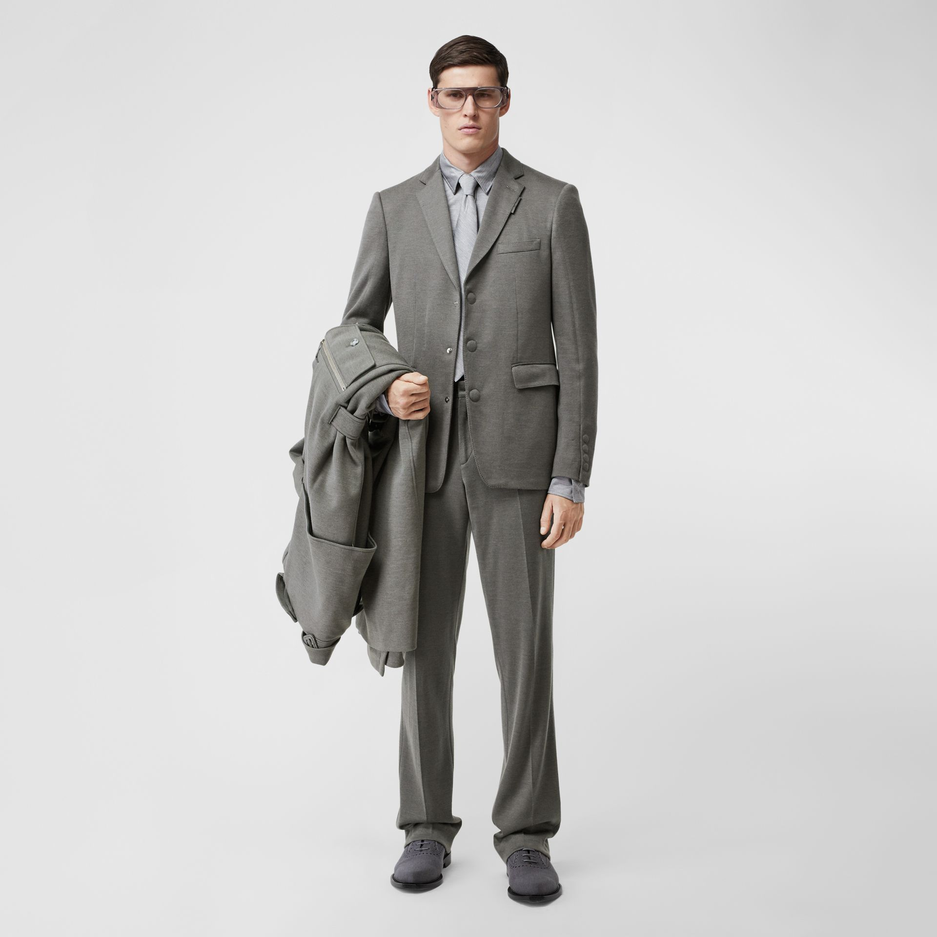 English Fit Cashmere Silk Jersey Tailored Jacket in Cloud Grey | Burberry - gallery image 6