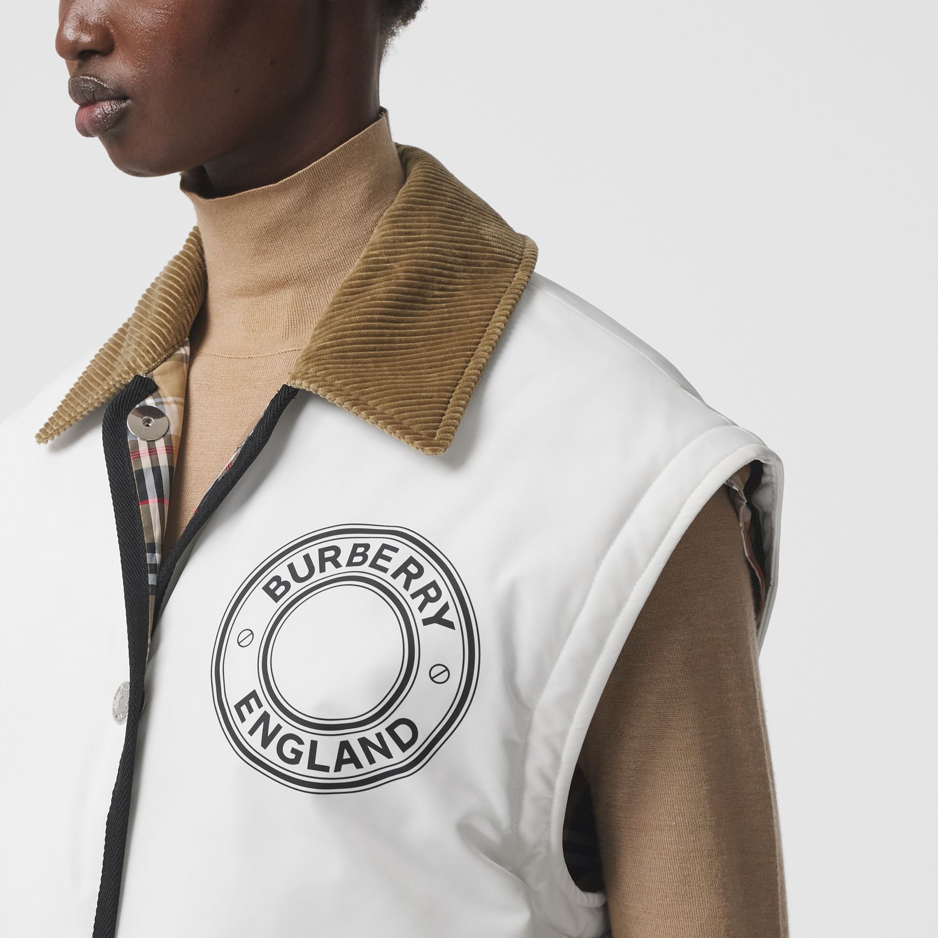 Detachable Sleeve Reversible Logo Graphic Jacket in Natural White - Women | Burberry - gallery image 1