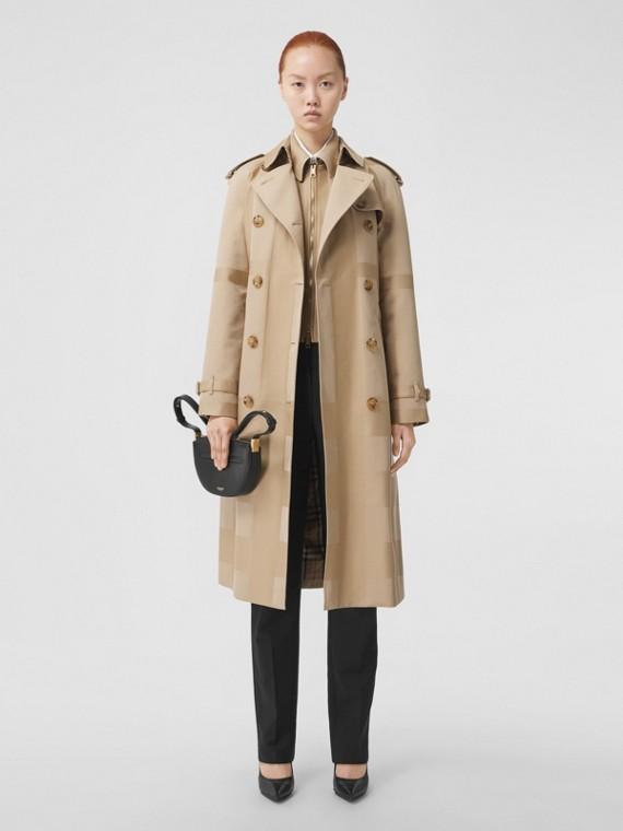Trench coat em gabardine de algodão com estampa xadrez (Mel)