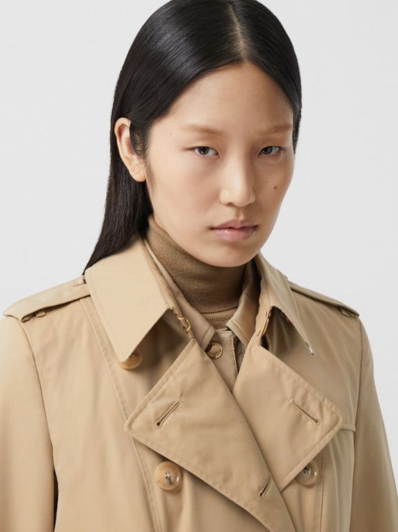 The Mid-length Chelsea Heritage Trench Coat in Honey - Women | Burberry - cell image 1