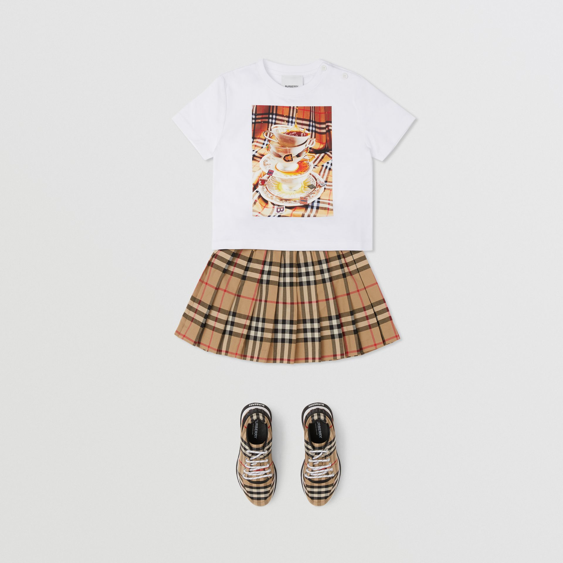Teacup Print T-shirt in Multicolour - Children | Burberry - gallery image 2