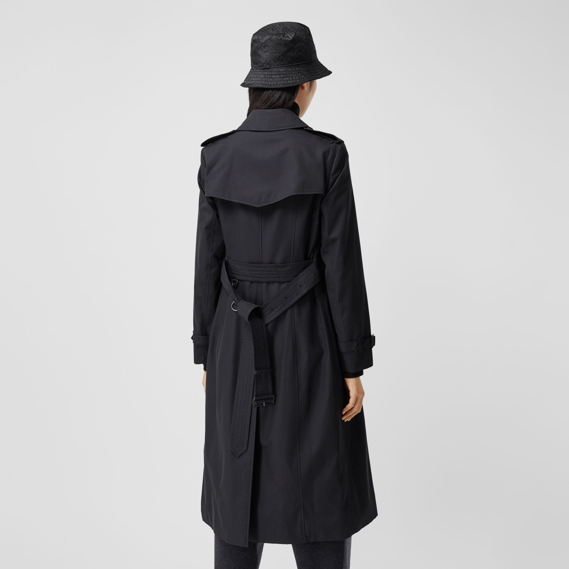 The Long Chelsea Heritage Trench Coat in Midnight - Women | Burberry Australia - gallery image 2