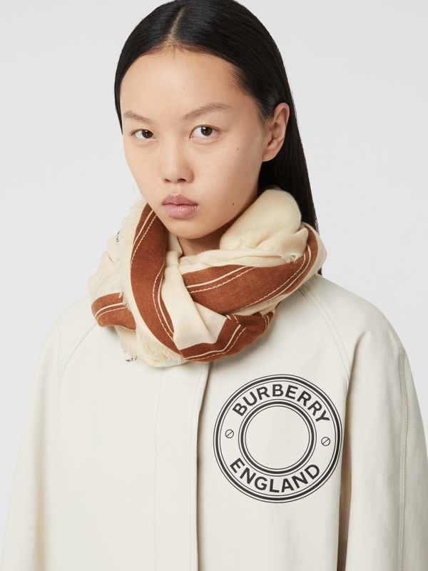 Logo Graphic Lightweight Cashmere Scarf in Natural White | Burberry - cell image 2
