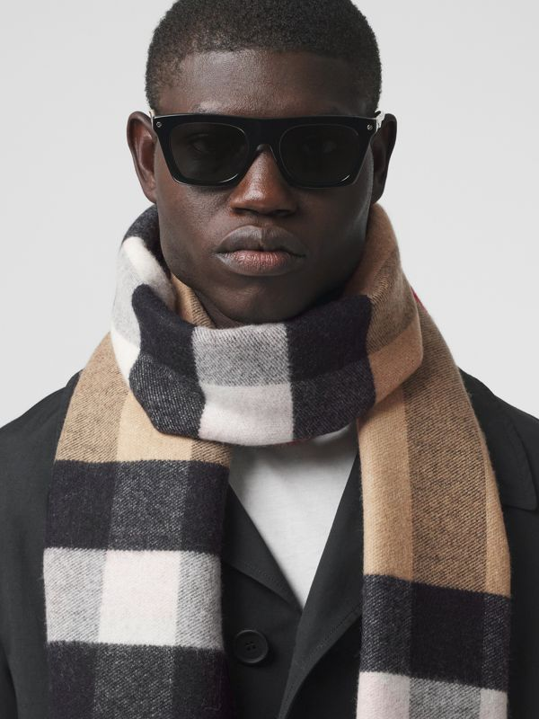 Reversible Check and Logo Cashmere Scarf in Archive Beige | Burberry - cell image 3