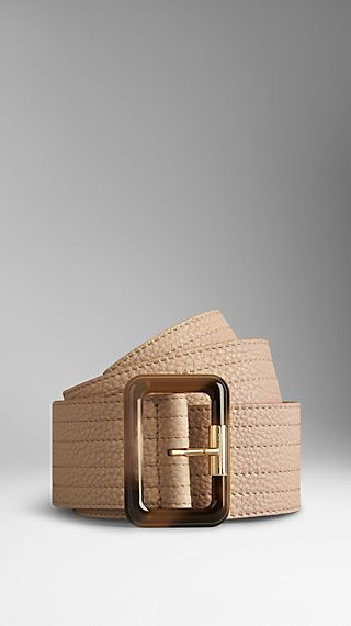 Horn-Look Buckle Grainy Leather Belt