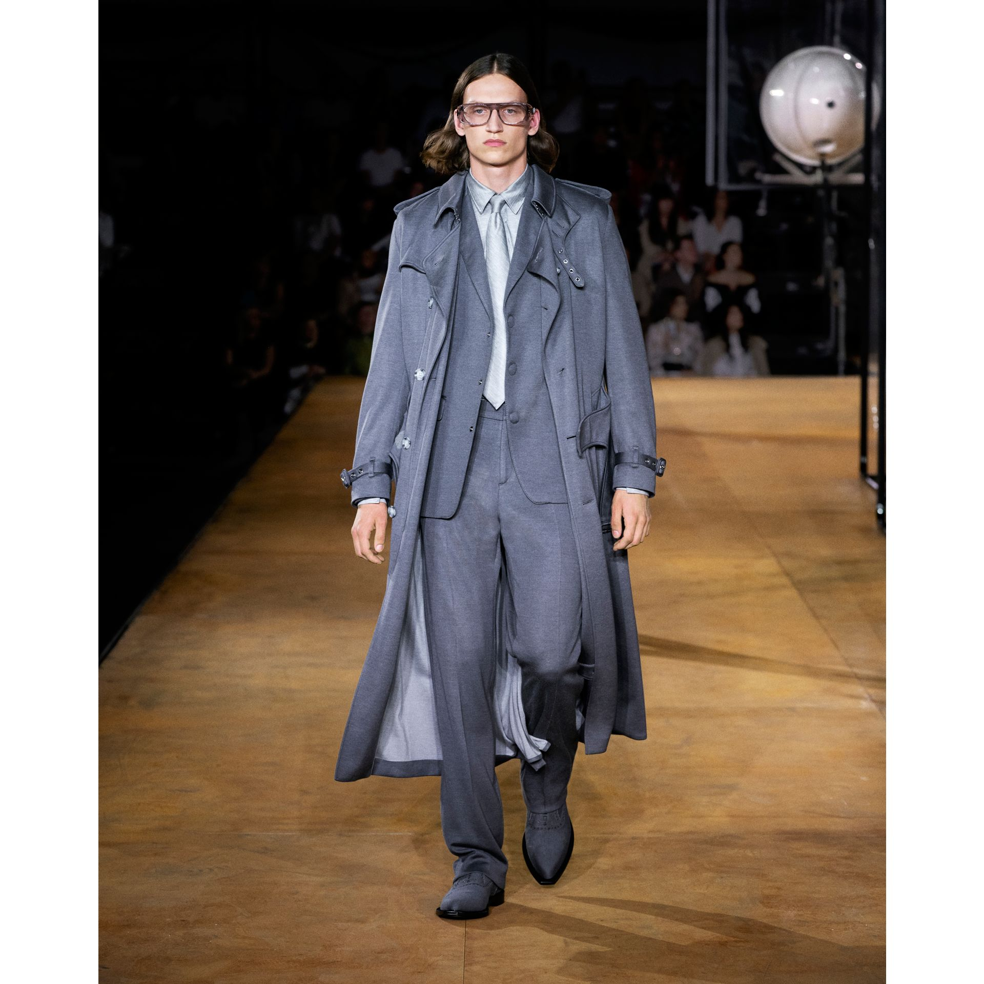 English Fit Cashmere Silk Jersey Tailored Trousers in Cloud Grey | Burberry Australia - gallery image 7