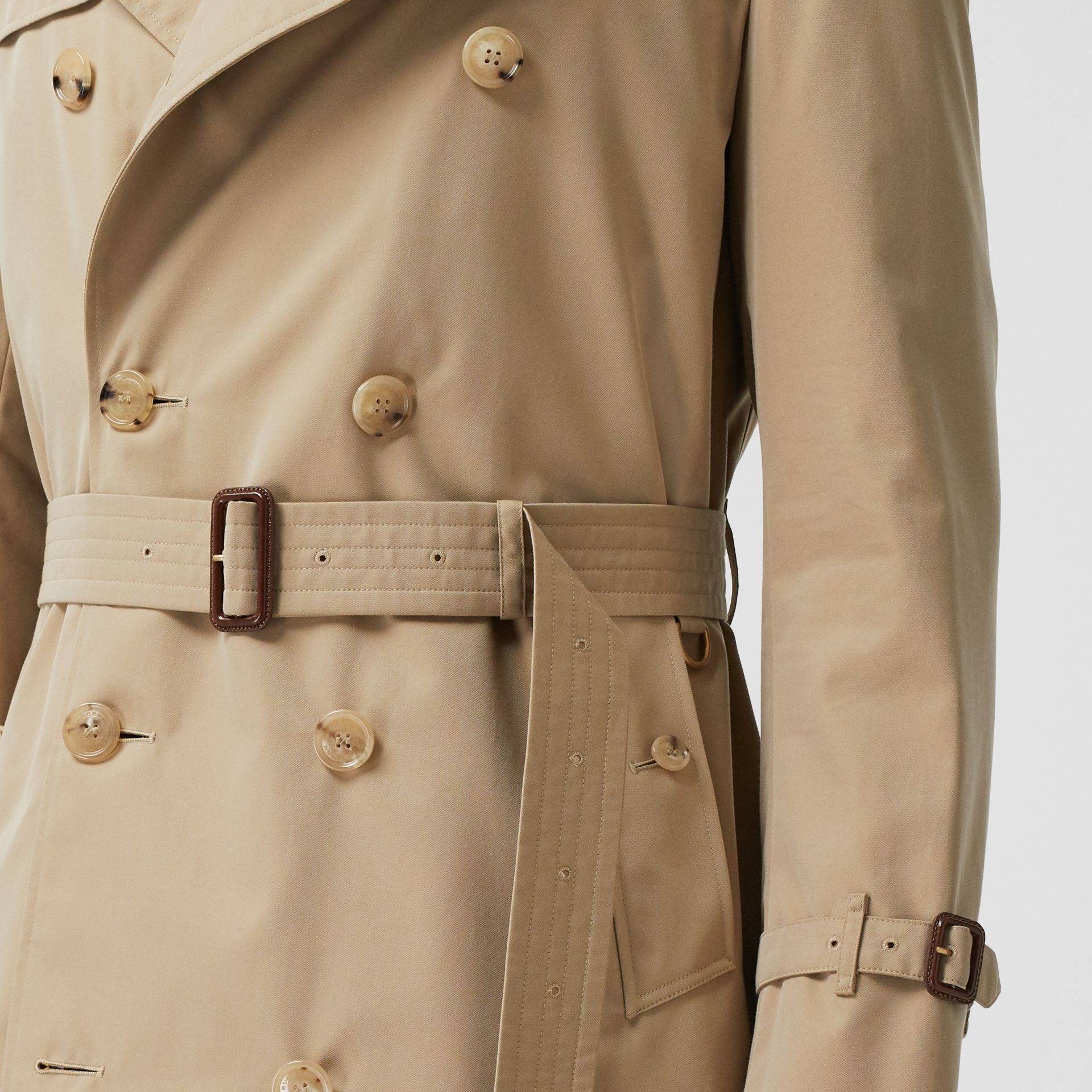 The Mid-length Chelsea Heritage Trench Coat in Honey - Men | Burberry - gallery image 4
