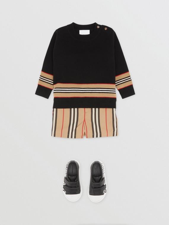 Suéter de lã merino com recorte de listras icônicas