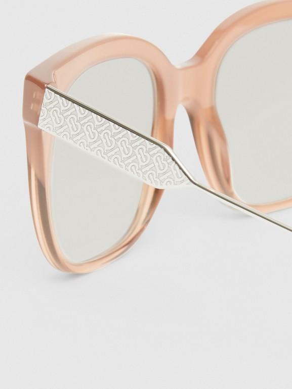Occhiali da sole con montatura a farfalla (Rosa Nude) - Donna | Burberry - cell image 1
