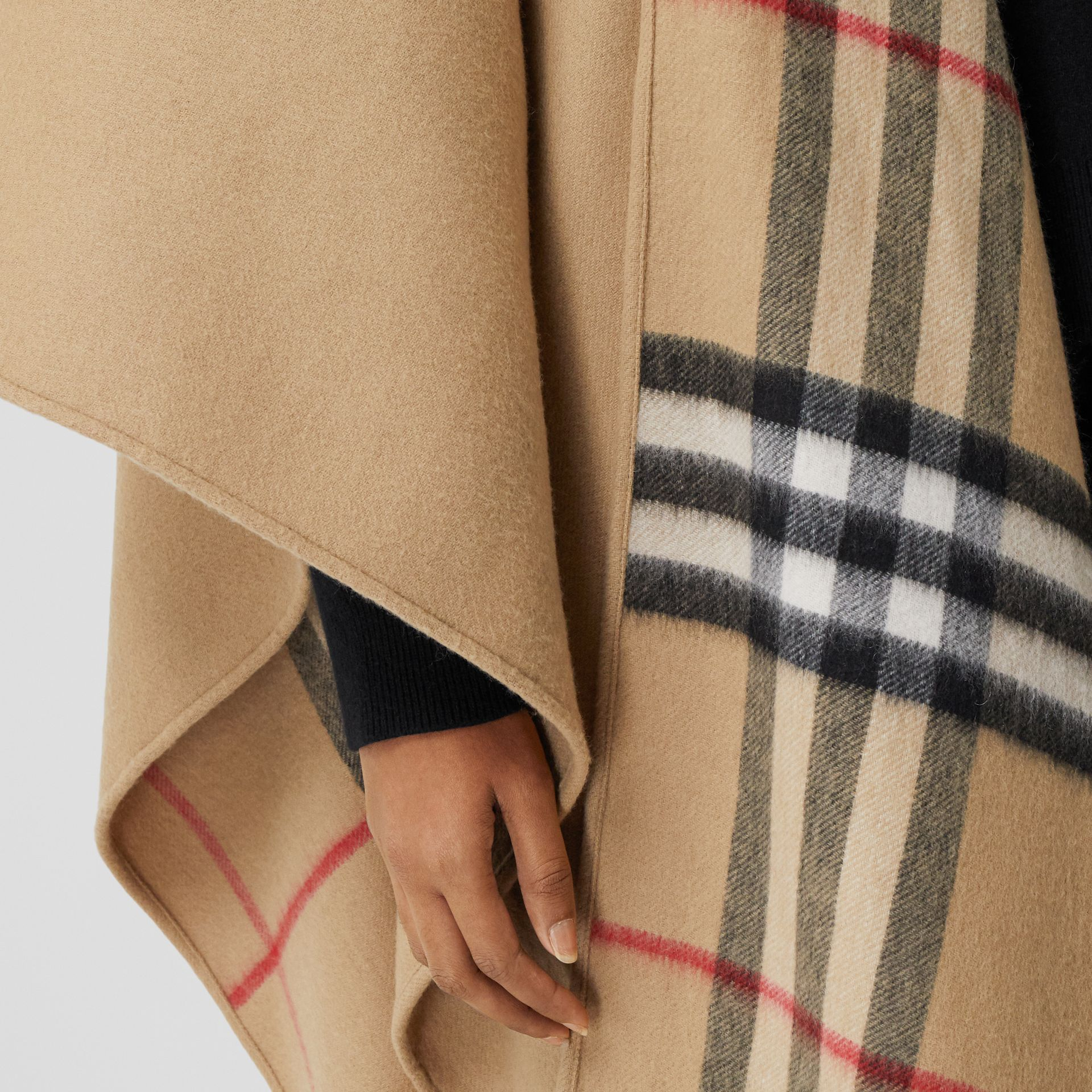 Check-lined Cashmere Merino Wool Cape in Archive Beige - Women | Burberry - gallery image 4