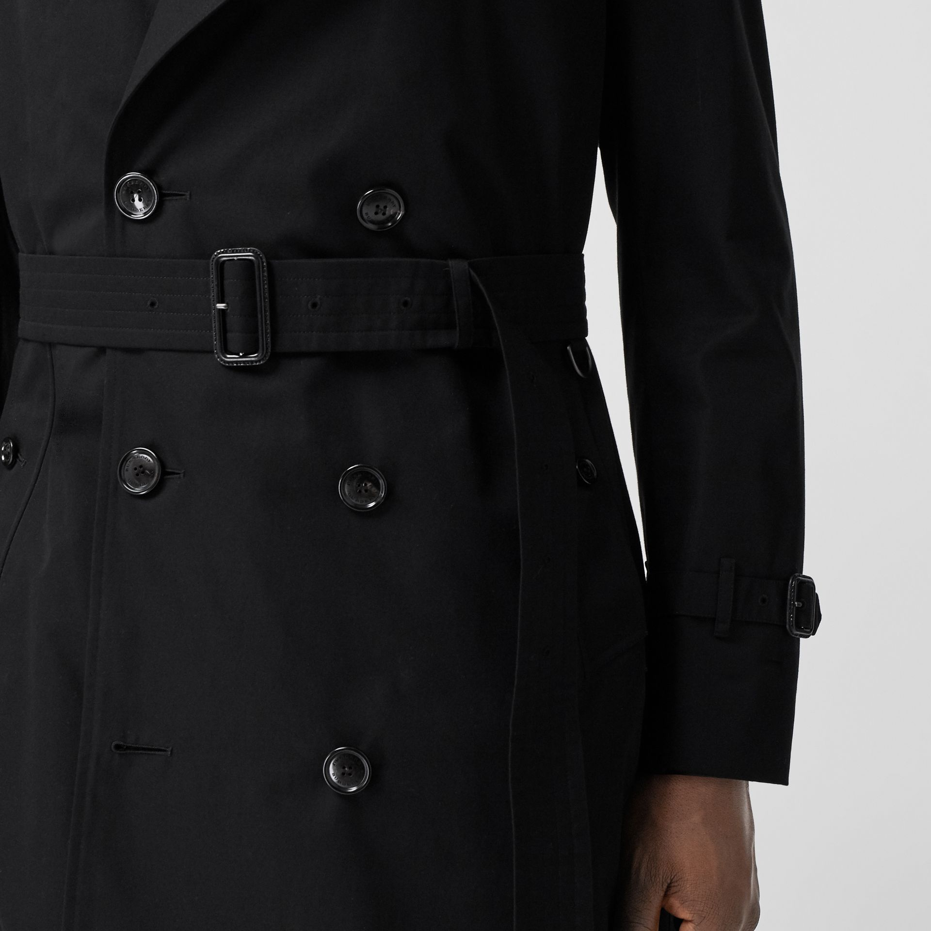 The Long Chelsea Heritage Trench Coat in Black - Men   Burberry - gallery image 5