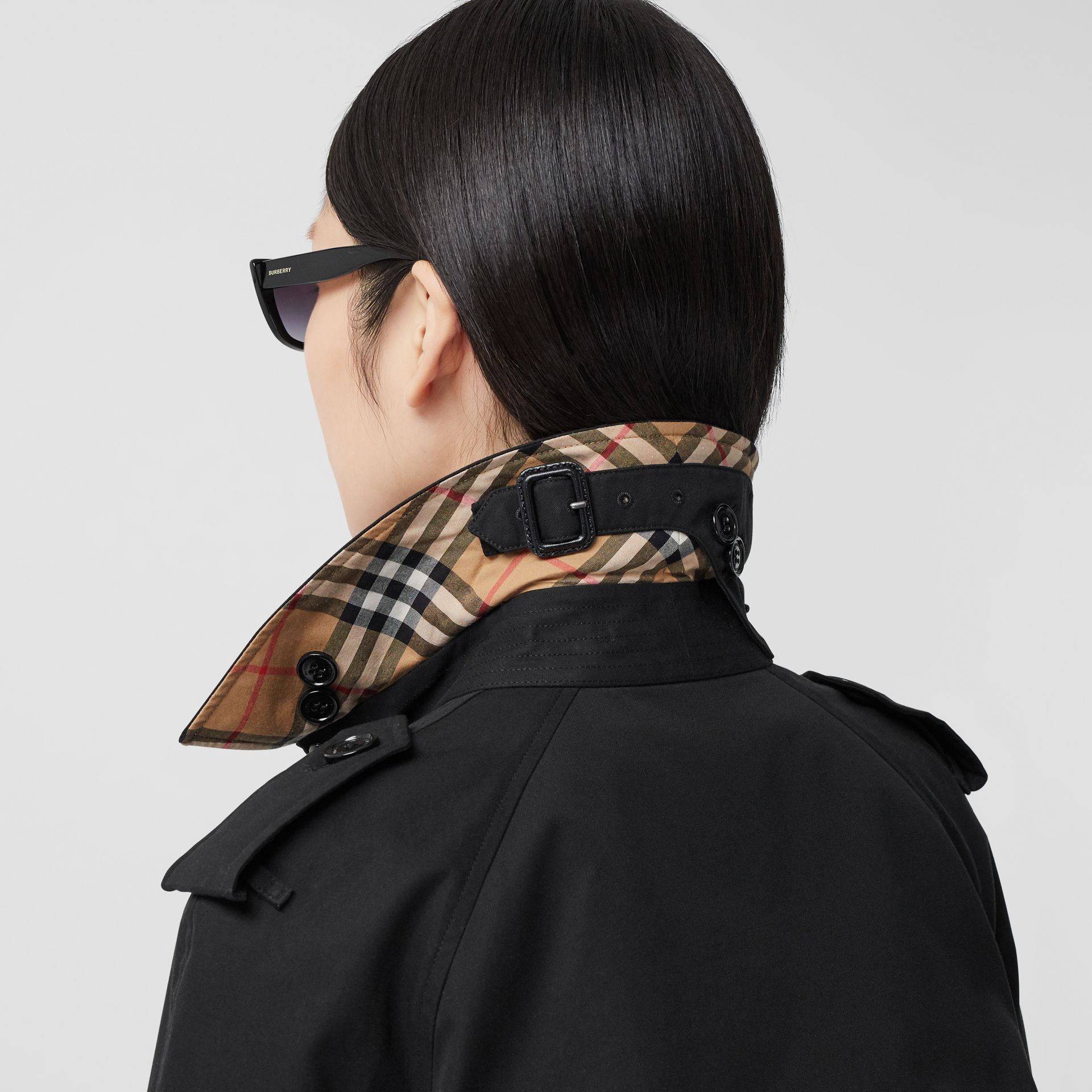 Trench Heritage long The Waterloo (Noir) - Femme | Burberry - photo de la galerie 4