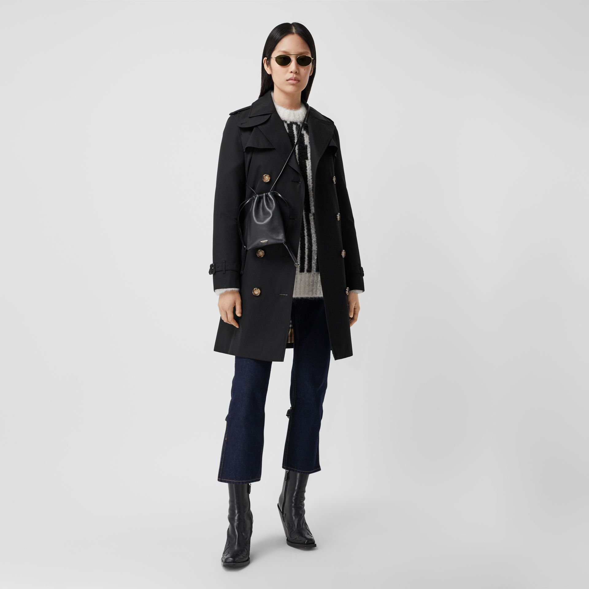 The Short Islington Trench Coat in Black - Women | Burberry - gallery image 0