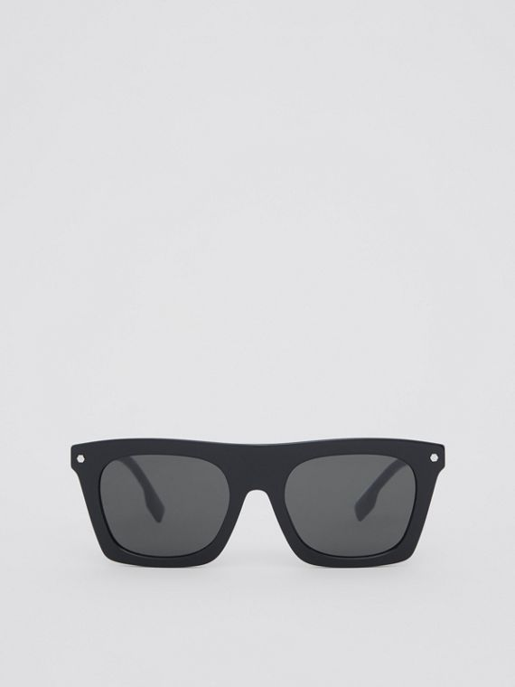 Icon Stripe Detail Rectangular Frame Sunglasses in Black