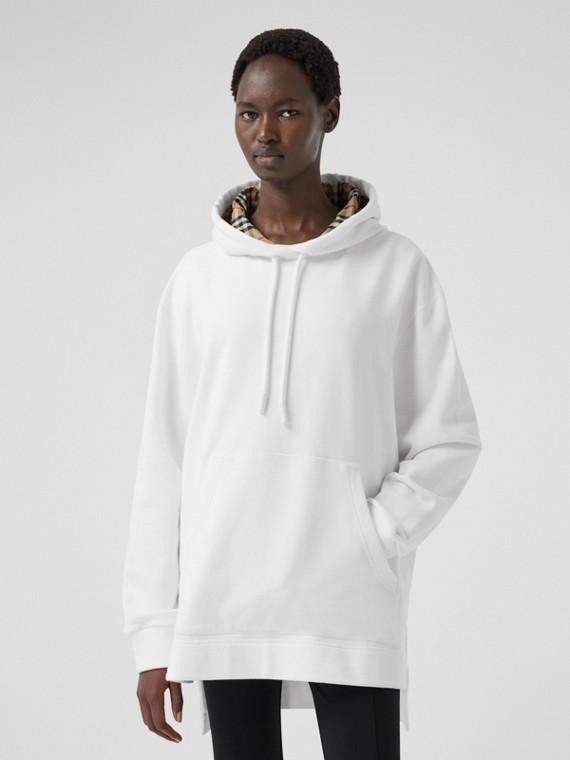 Suéter com capuz oversize de algodão com bainha escalonada (Branco)