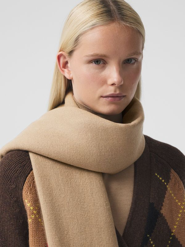 Icon Stripe Cashmere Jacquard Scarf in Archive Beige | Burberry - cell image 2