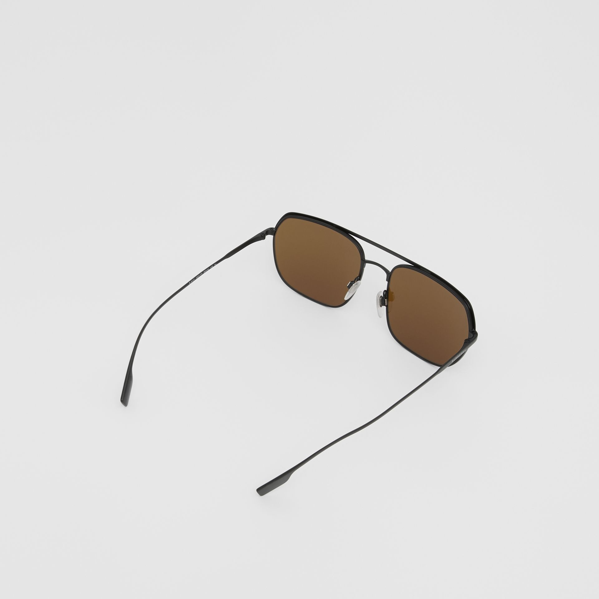 Óculos de sol com armação aviador quadrada - Homens | Burberry - galeria de imagens 4