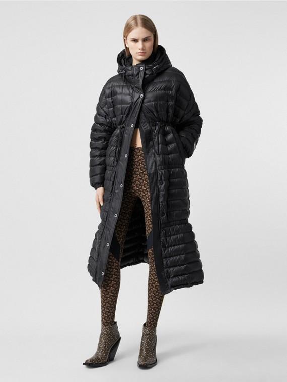 Легкое пальто на пуху с капюшоном с логотипом Burberry (Черный)